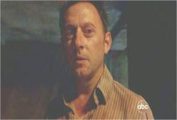 ジョン・ロック。彼が一人で君の仲間をみんな殺した。