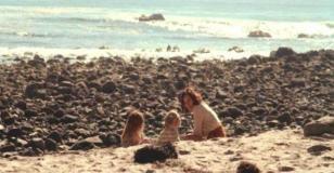コブの夢の中での妻と子供たち