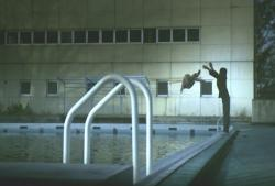 回想 プールを愛美を投げる