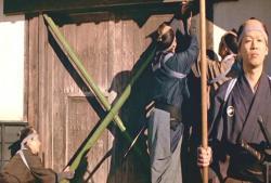 門を閉ざす藩の執行人たち
