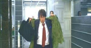 青島コートを羽織って・・