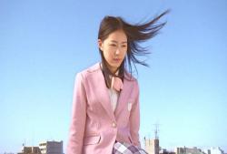桜の花びらをポケットにしまったゴースト珠理奈
