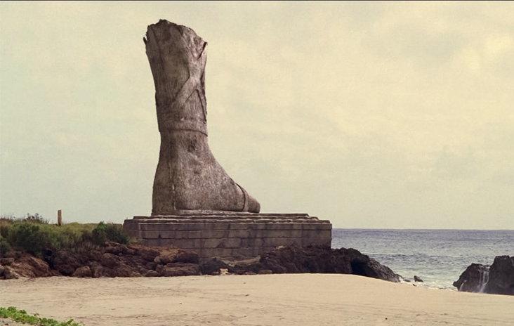 巨象の残骸