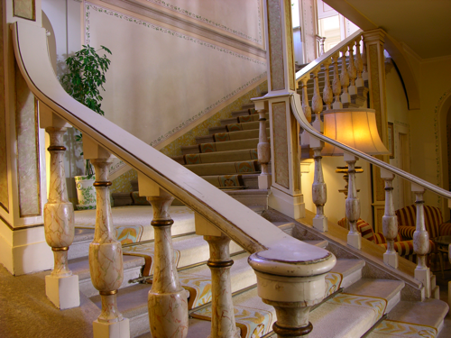階段レセプションへ(変換後)