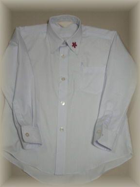 なんちゃって制服のシャツ、ユニバーサル
