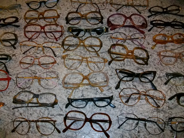 メガネと雑誌 005
