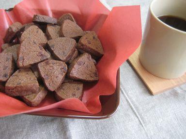 クランベリーココアクッキーとコーヒー