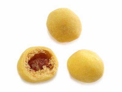 鎌倉まめや--月見豆(秋限定)。