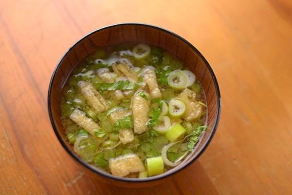 大根の葉の味噌汁