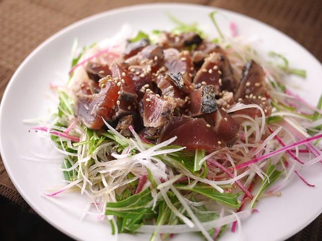 紫大根と水菜サラダ鰹のせ