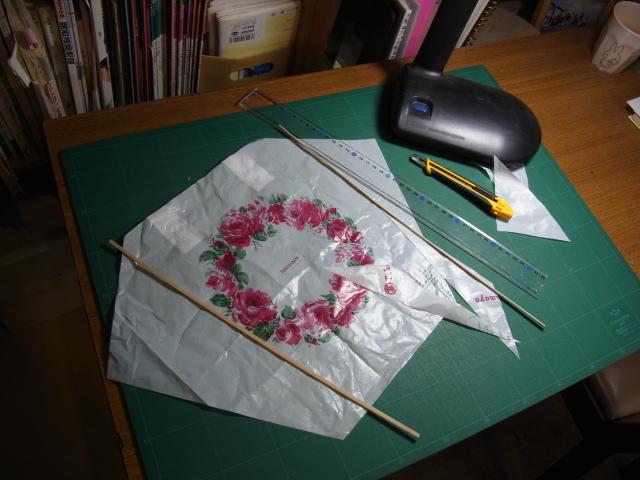 ポリ袋でつくる凧
