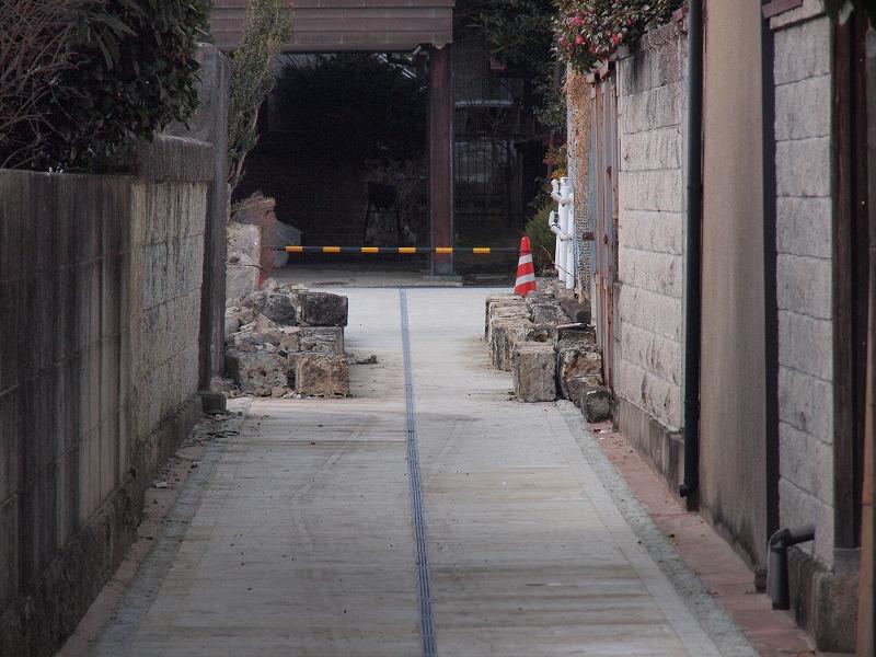 大谷石の塀