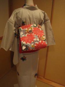 こんな風に。帯は四天王寺ではないけども最近のお買い物でお気に入りです。