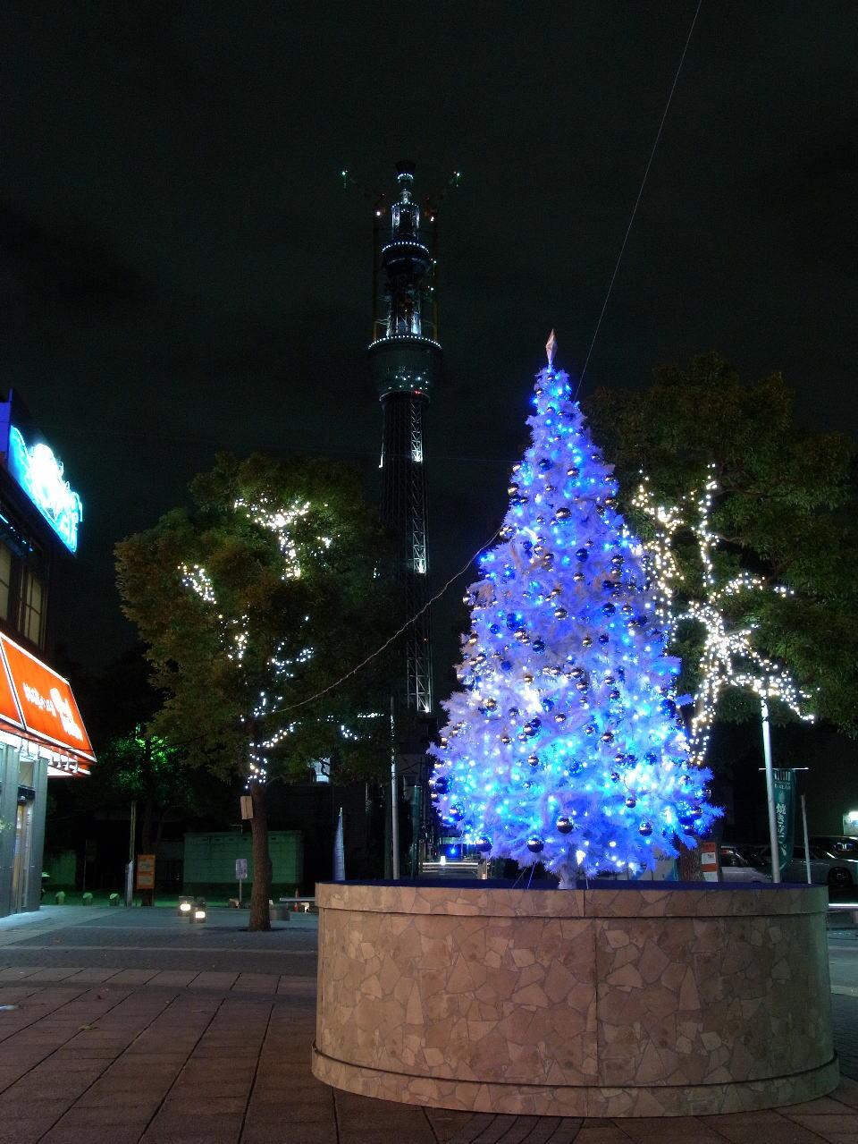 クリスマスツリーとスカイツリー