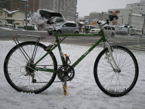 雪の堀川通り