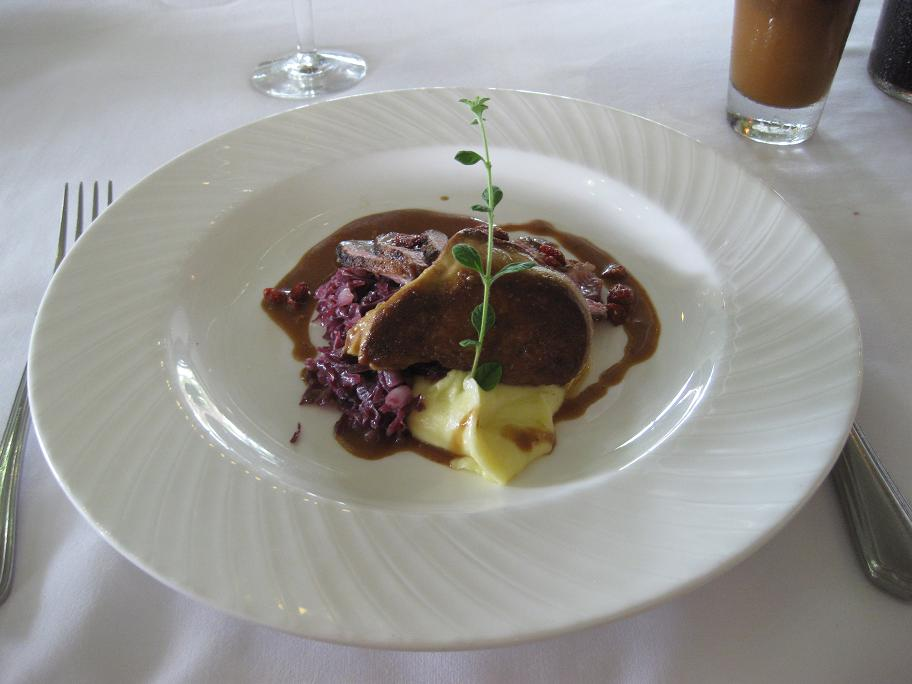 アントニオ 鴨胸肉トリュフソースフォアグラ