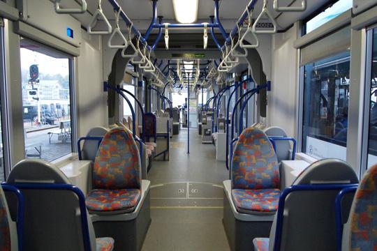 20100111_hiroden_5000-in01.jpg