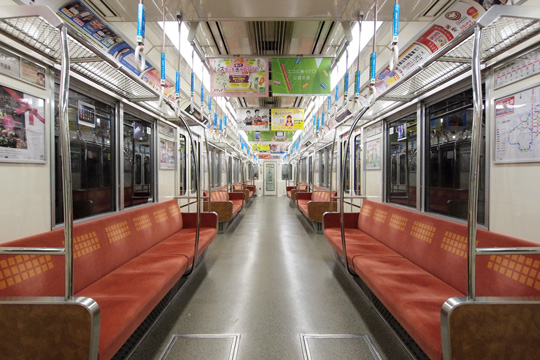 20110219_osaka_subway_25n-in01.jpg