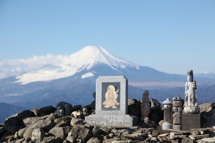 仏様と富士 塔ノ岳頂上にて