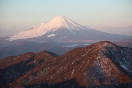 富士と檜洞丸 蛭ヶ岳にて