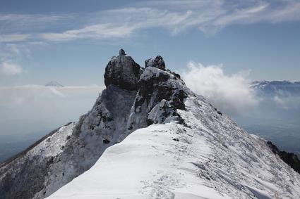 権現岳頂上の岩
