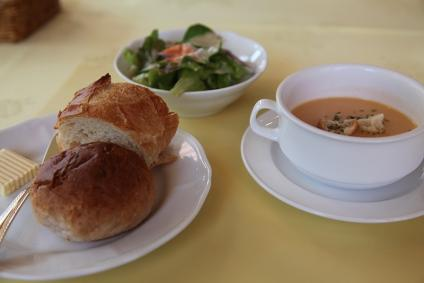 百年草 ランチ サラダ・スープ・パン