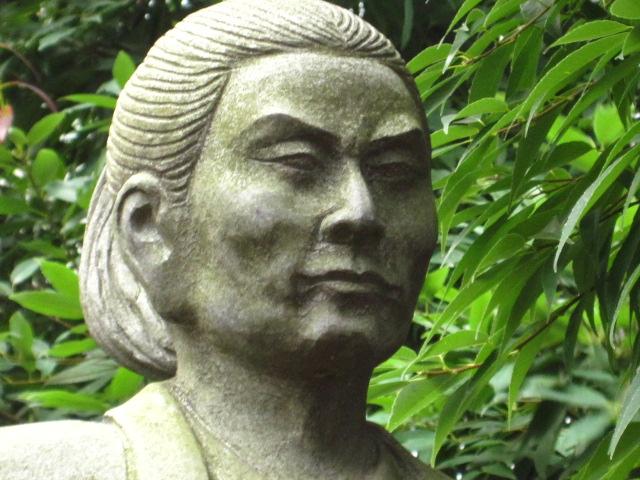 近藤勇石像2