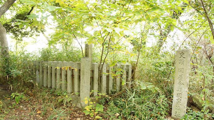 関ヶ原と壬申の碑