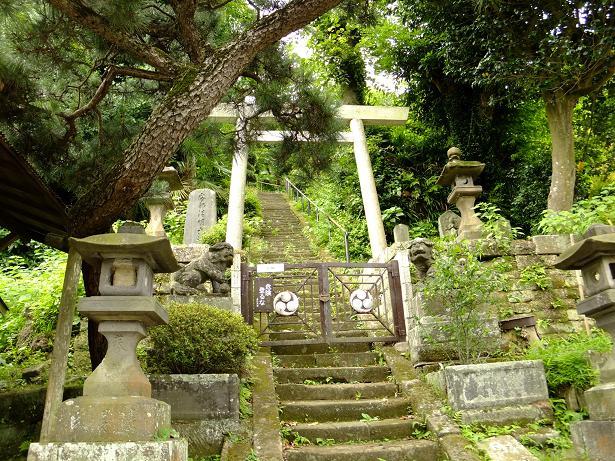 建長寺近くの神社