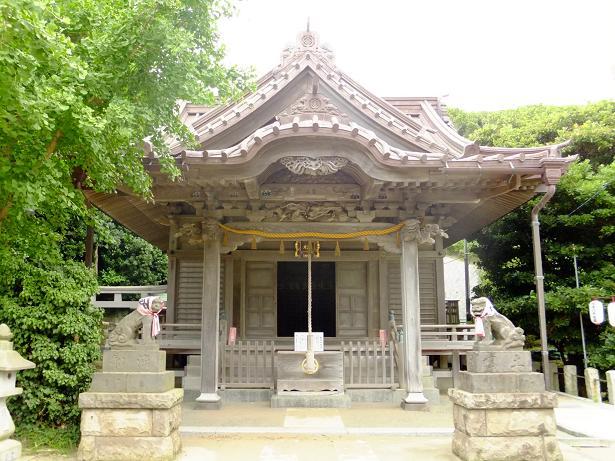 小動神社本殿