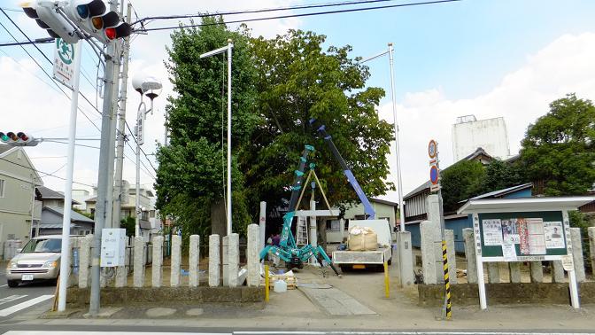 古河の八幡神社入り口