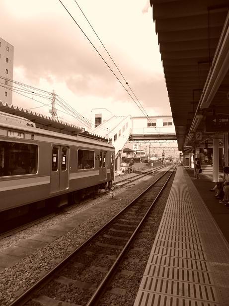 高麗川駅モノクロ