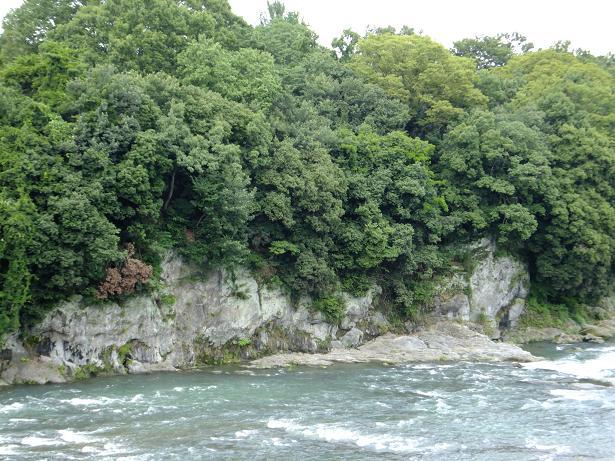 荒川の大岩