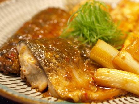 鯖と豆腐の辛味噌煮a06