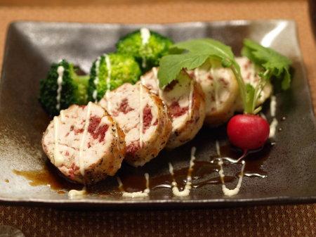 鶏胸肉のコンビーフ焼き06