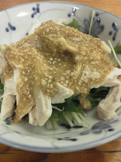 蒸し鶏の胡麻酢味噌和え