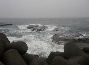 荒れ荒れの海