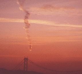 阪神・淡路大震災直前に撮影された地震雲?