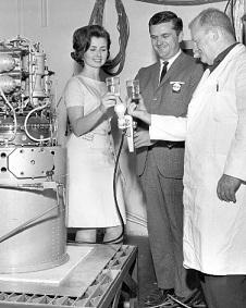 アポロ宇宙船の燃料電池試作機