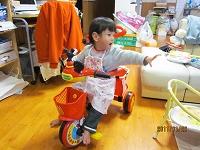 ミッキーマウスの三輪車♪
