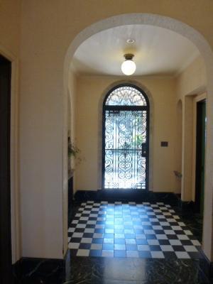 2・18ベーリック・ホール玄関