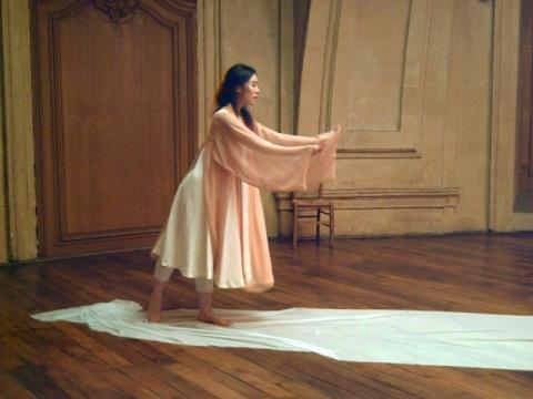 映画と融合した現代舞踏