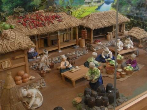 妻家房 キムチ博物館  模型