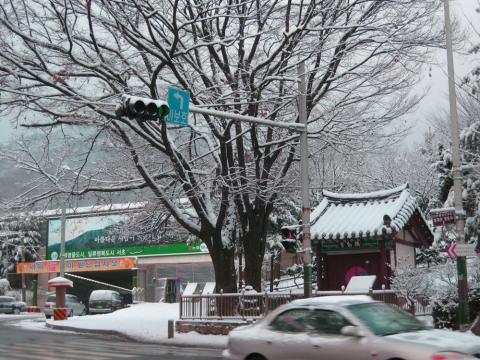 院趾洞(弥勒堂) 雪景色
