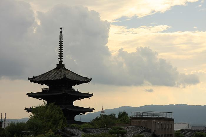 八坂の塔、3