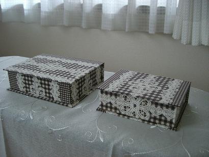 ブラウンレース箱 2個