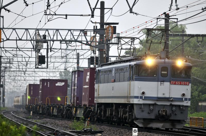 1095レ EF65-1076号機