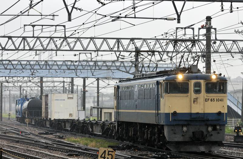 1554レ EF65-1041号機