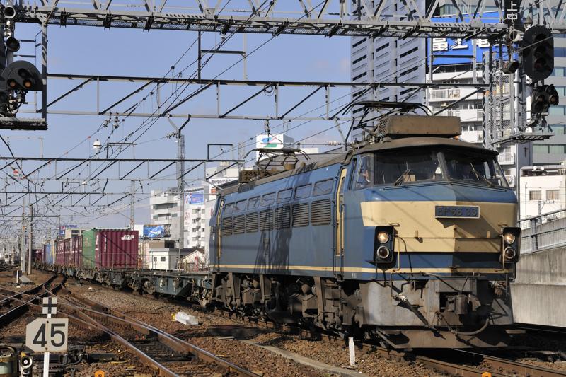 1070レ EF66-33号機