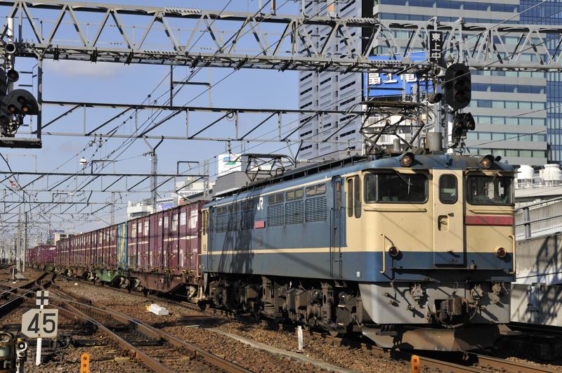 1552レ EF65-1077号機